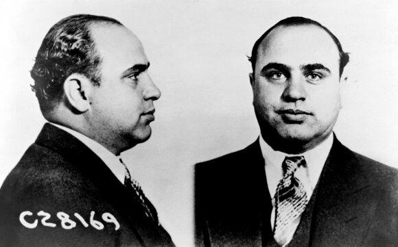 Al Capone'ė: žiaurusis gangsteris gyvenimo pabaigoje tapo valytoju ir kentėjo nuo sifilio sukeltos silpnaprotystės