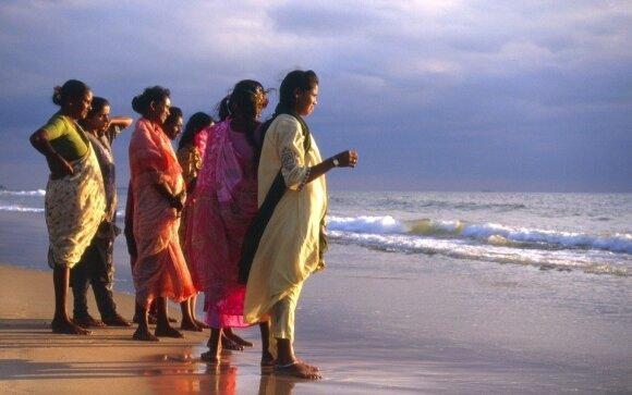 Triukšmingais vakarėliais garsėjanti šalis kratosi hipių rojaus etiketės: vilios egzotiškais paplūdimiais