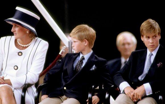 Princesė Diana su sūnumis William'u ir Harry'u