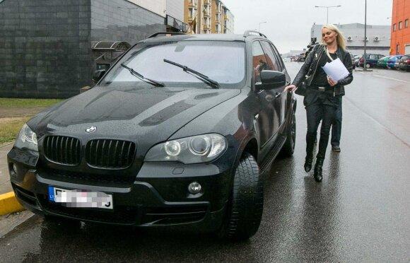 Vitos Jakutienės automobilis BMW X5, kuriame Justas Jakutis buvo įmontavęs pasiklausymo aparatūrą