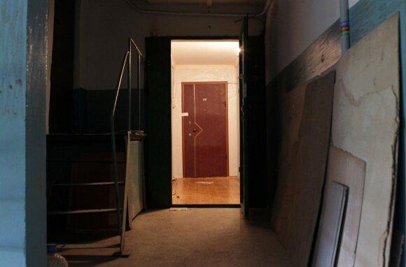 Smalsu: kodėl sovietmečiu įrengtų butų durys buvo atidaromos į vidų