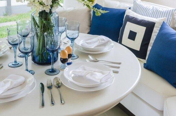 Svarbiausias valgomojo akcentas – tinkamos formos stalas