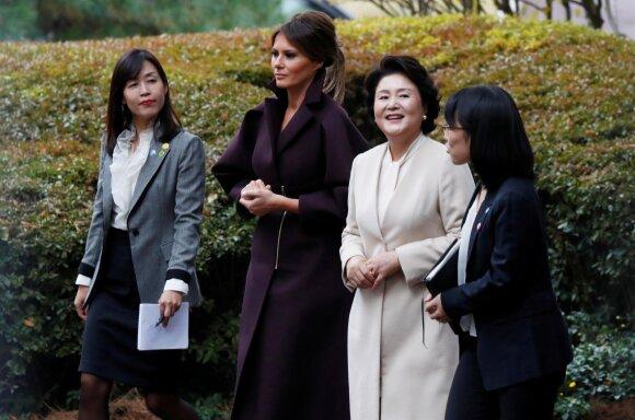 Melania Trump ir pirmoji Pietų Korėjos ponia Kim Jung-Sook
