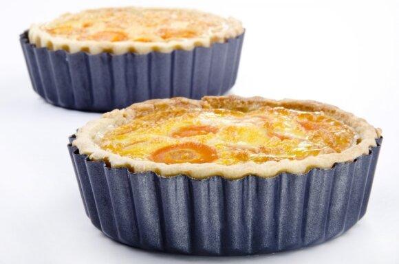 KEPK. <em>Zuikio</em> pyragas su morkomis ir varške