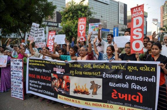 Tūkstančiai protestuotojų reikalauja teisingumo 27 veterinarės išprievartavimo ir nužudymo byloje