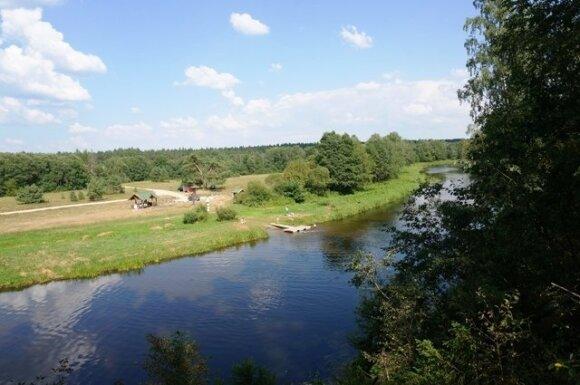 Sodyba ant Šventosios upės kranto Anyksčių r. Migdoliškio kaime 35 000