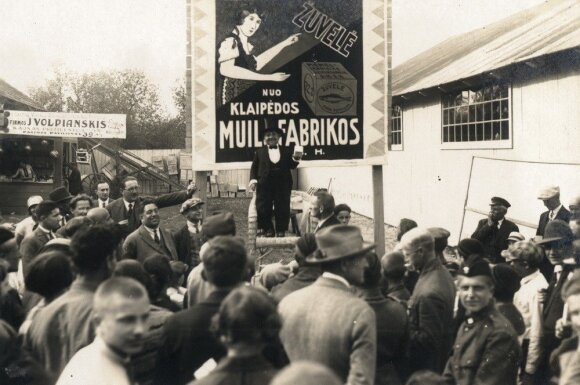 Reklama buvo galinga priemonė ir prieš 100 m.