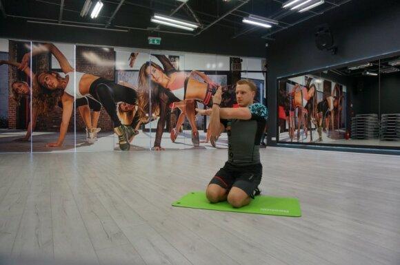 Stipriname raumenis: 9 geriausi tempimo pratimai