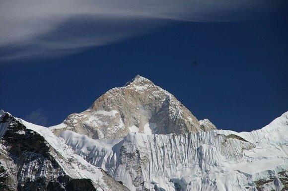 Makalu (Nepalas/Kinija) / Ben Tubby nuotr.