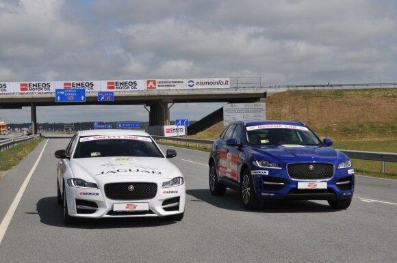 """Saugos ir lenktynių automobiliai """"Jaguar XF"""" ir """"Jaguar F-Type"""""""