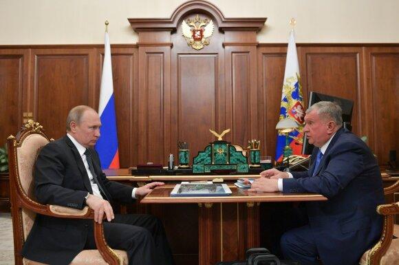 """Vladimiras Putinas susitinka su """"Rosneft"""" vadovu Igoriu Sečinu"""