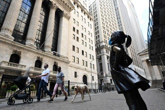Didieji JAV bankai planuoja riboti personalą ir po karantino keltis į priemiesčius
