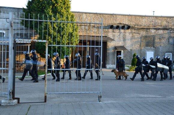 Po Pravieniškių skandalo – dar skandalingesnis kratas atlikusių Vilniaus pareigūnų pasakojimas