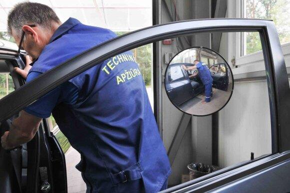 Imasi automobilių techninės apžiūros kainų: paslaugos brangtų jau kitąmet