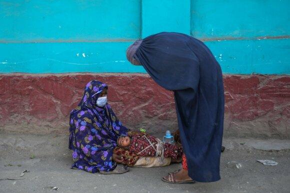 Po pirmo Talibano valdymo mėnesio – slegiantys vaizdai Afganistane: tai gali reikšti katastrofą