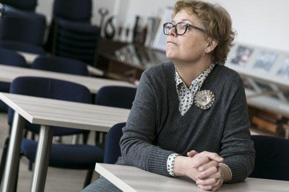Gimnazijos etikos mokytoja