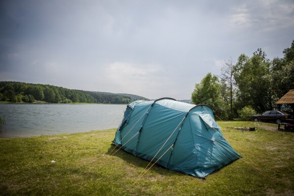 Įspėja stovyklautojus: nežinantys, kaip elgtis, mokės baudas