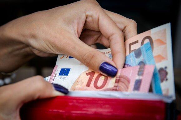 Konfliktas įmonėje: vietoj atlyginimų gavo nurodymą imti pinigus iš kasos