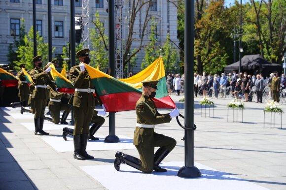 Lietuvoje buvo skelbiama Visuotinė tylos minutė