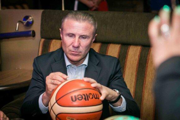 Kodėl legendinis Sergejus Bubka savo sunkiausią pergalę atšventė Vilniuje su krepšininkais?