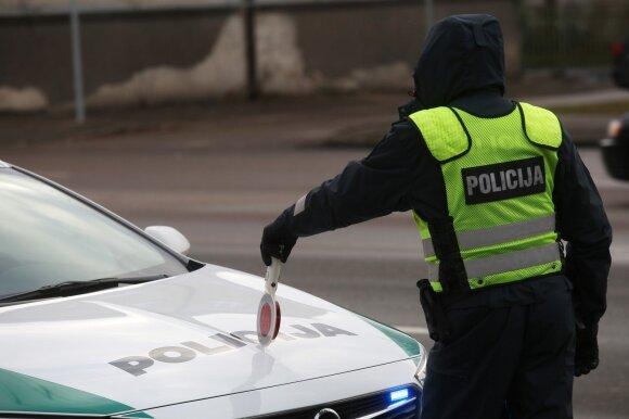Policijos reidas Taikos ir Savanorių prospektų sankryžoje