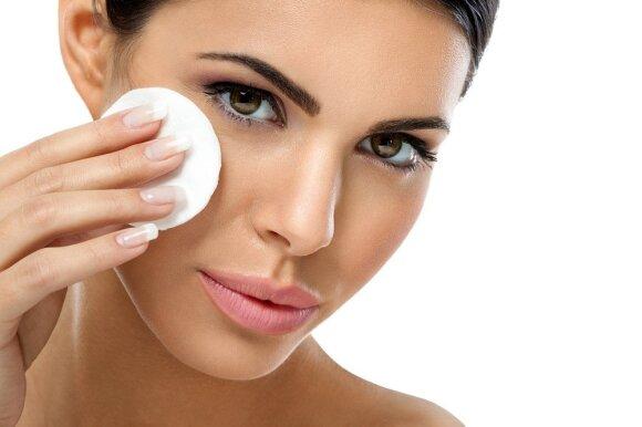 Graži ir per šventes: paprasti būdai pasirūpinti veido oda