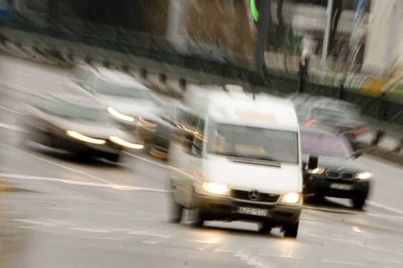 """""""Mikriukų"""" jungimas į Vilniaus transporto sistemą: septynissyk mažiau transporto priemonių ir reikalavimas pirkti naujas mašinas"""