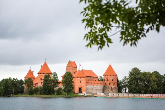 """Įtakingasis """"Forbes"""" Lietuvą vadina stebuklinga šalimi, kurią būtina aplankyti"""