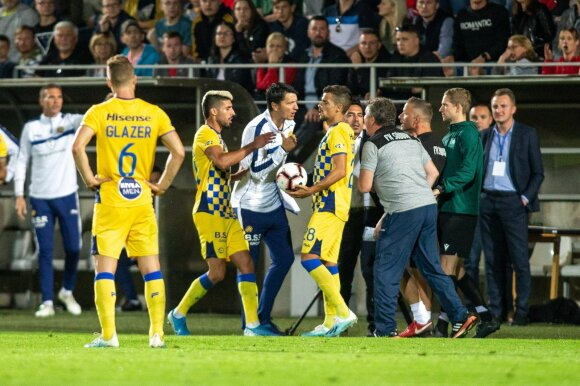"""Į konfliktą įsivėlęs """"Maccabi"""" vedlys pratrūko kaltinimais, Čeburinas turėjo savo versiją"""