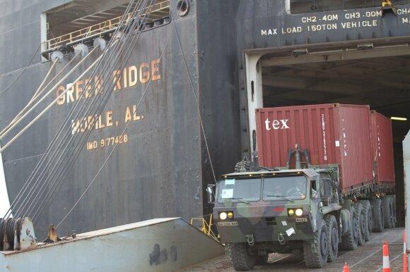 """Laivas """"Green Ridge"""" iškrauna krovinius Klaipėdoje"""