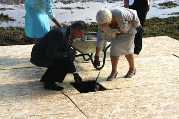 Būsimajame krematoriume Kėdainiuose įkasta simbolinė kapsulė