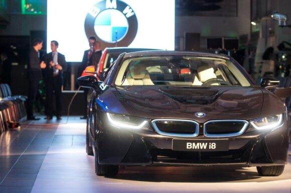 BMW modeliai pavasarį gaus naują garderobą