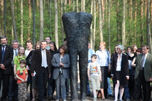 Magdalenos Abakanowicz skulptūros atidengimas (2009)