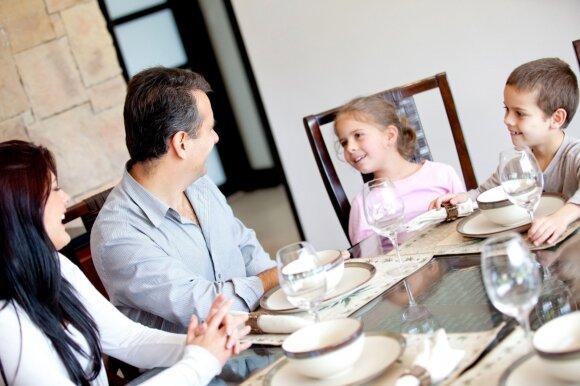 Nuo kada ir kaip mokyti vaiką gerų manierų?