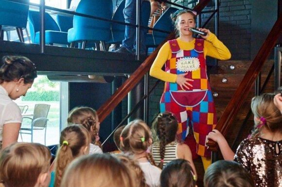 """Lietuviai sukūrė konkurentą """"Walt Disney"""" personažams: gaminiais nuklotos parduotuvių lentynos"""