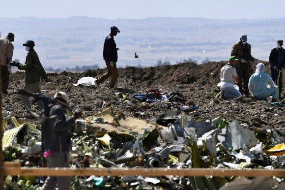 """""""Boeing 737 Max"""" avarijos vieta Etiopijoje"""