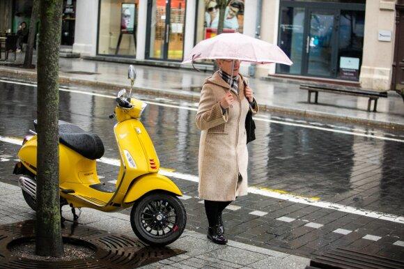 Po vasariškai šilto savaitgalio laukia orų permainos: nemaloniausia diena bus ketvirtadienis