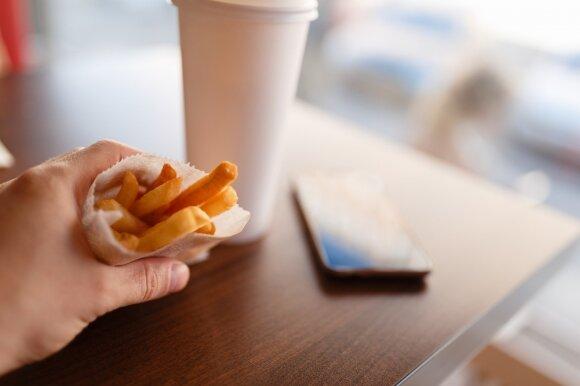 Jei vakarais traukia maistas: galbūt kaltas ne tik valios trūkumas, bet ir sveikatos sutrikimas