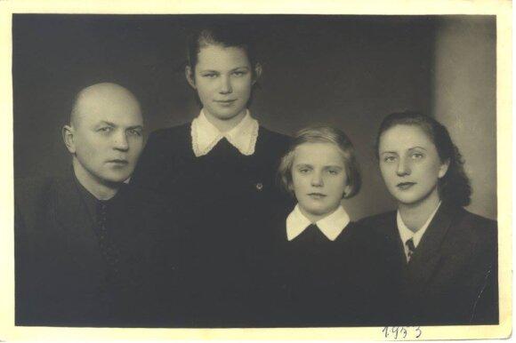 Juozas Baltušis, Rita, Dagnė, Monika Mironaitė