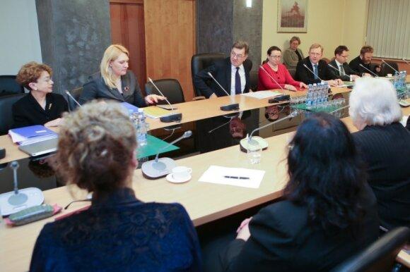 Премьер на встрече с нацменьшиствами: закон нужно принять как можно скорее