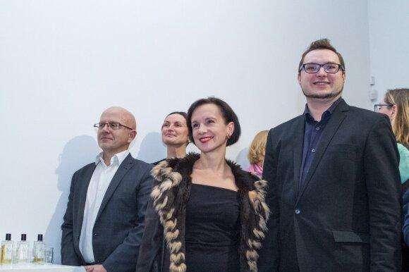 Knygos pristatyme apsilankė viešųjų ryšių specialistas Ričardas Jarmalavičius (kairėje), rašytoja Ugnė Barauskaitė