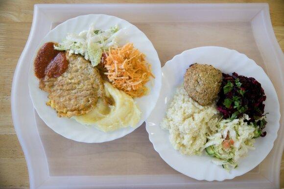 Pakeitus mokyklų valgiaraščius – moksleivių eilės prie greito maisto užkandinių