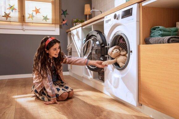 Vienu kartu išskalbiamos tik keturios poros kelnių ir sagos nukarpomos prieš skalbimą: kokios buvo sovietinės skalbyklės ir kaip jos patobulėjo