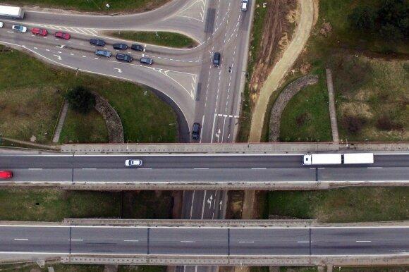 Aiškėja, kada kelyje Vilnius-Kaunas galėsime važiuoti 130 km/val.