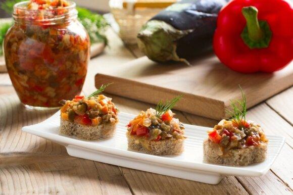 Konservuojame baklažanus: geriausi receptai ir patarimai