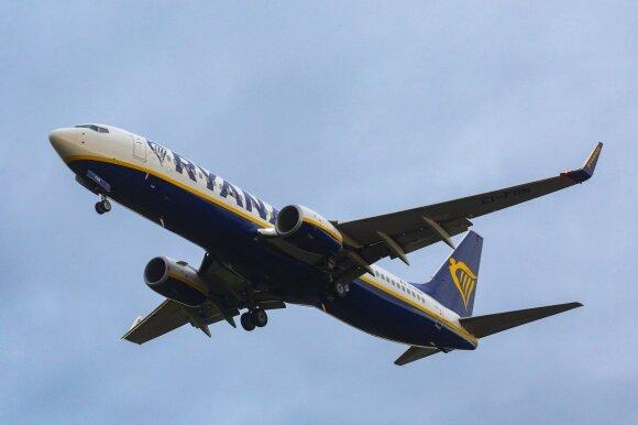 """""""Ryanair"""" atšaukia šimtus skrydžių: laukia didžiausias streikas per visą bendrovės istoriją"""