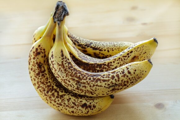 Pernokę bananai