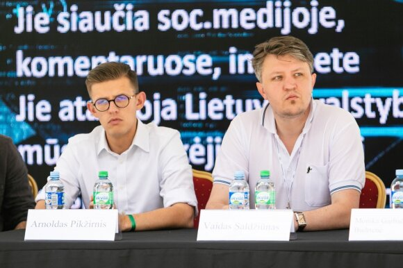 Arnoldas Pikžirnis, Valdas Salžiūnas