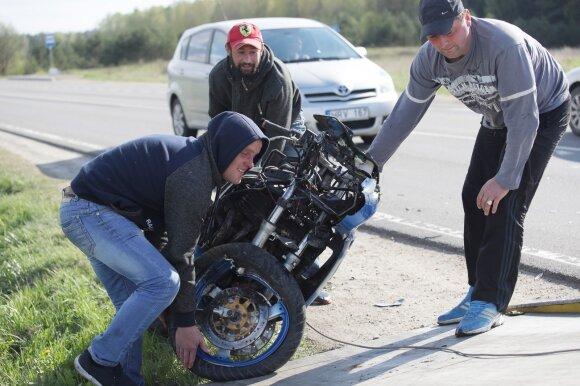 Svarbi data visiems eismo dalyviams: į gatves išrieda motociklininkai
