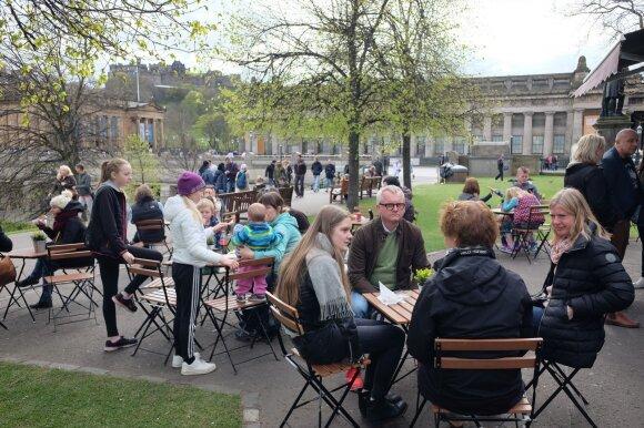 Uteniškiai Škotijos sostinės centre iškovojo gardų kąsnelį: apie jų verslą jau sklando gandai
